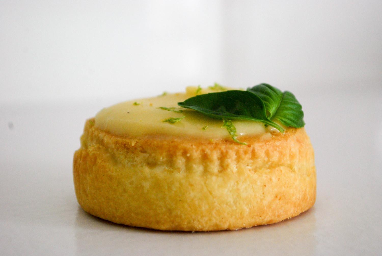 Tarte au citron vert et basilic